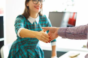 引越し費用は値切ることができます。信頼関係を築き、上手く交渉しましょう。
