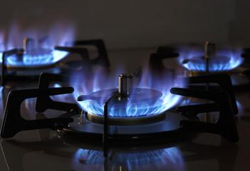 引越し後すぐにガスも使えるように引越し前と引越し後、両方の手続きを完了させましょう。